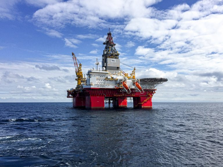 offshore oguk medicals oil rig out at sea